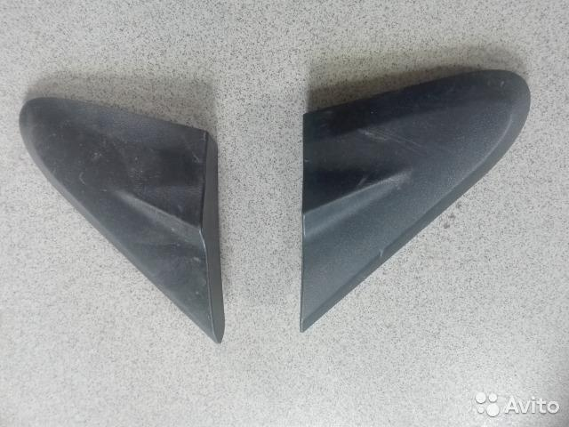 Уголок крыла переднего левого и правого Chevrolet Aveo (T300) 2011> 2012г. (OEM 95461590)