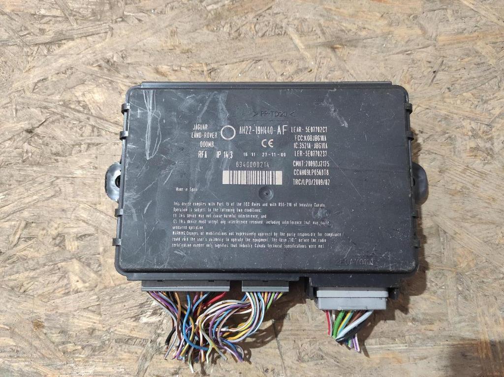 Блок управления бесключевым доступом   Номер по каталогу: AH22-19H440-AF